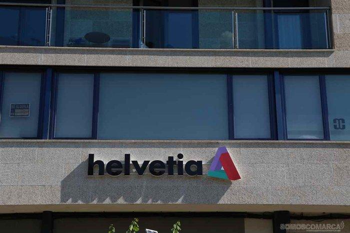 presentacion  Helvetia Carmen María