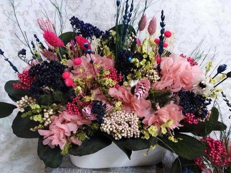 Jardinera flor seca y preservada