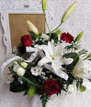 Ramo clásico de lilium y rosas