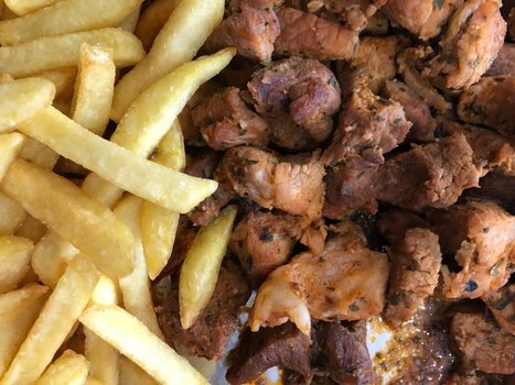 Raxo con patatas fritas