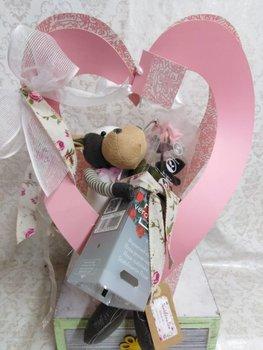 Peluche con rosa preservada