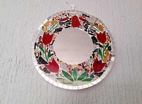 Espejo decorado a mano